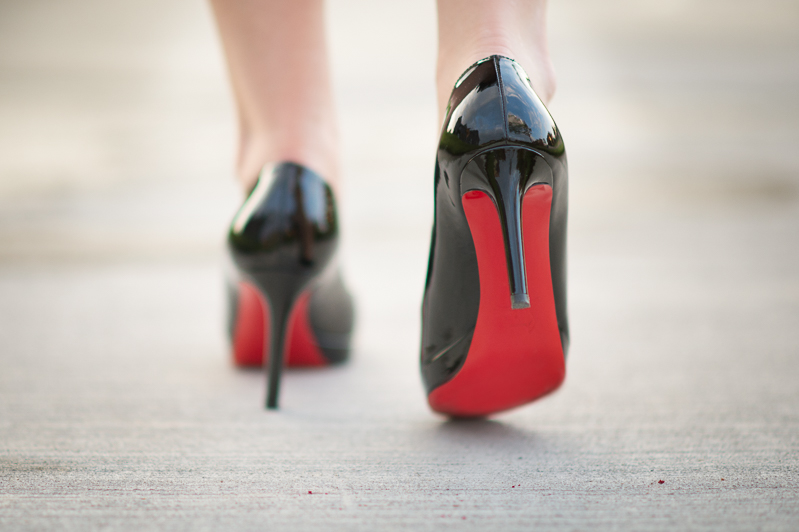 Petite Fashion and Style | Christian Louboutin Simple Pump | Click to read more...