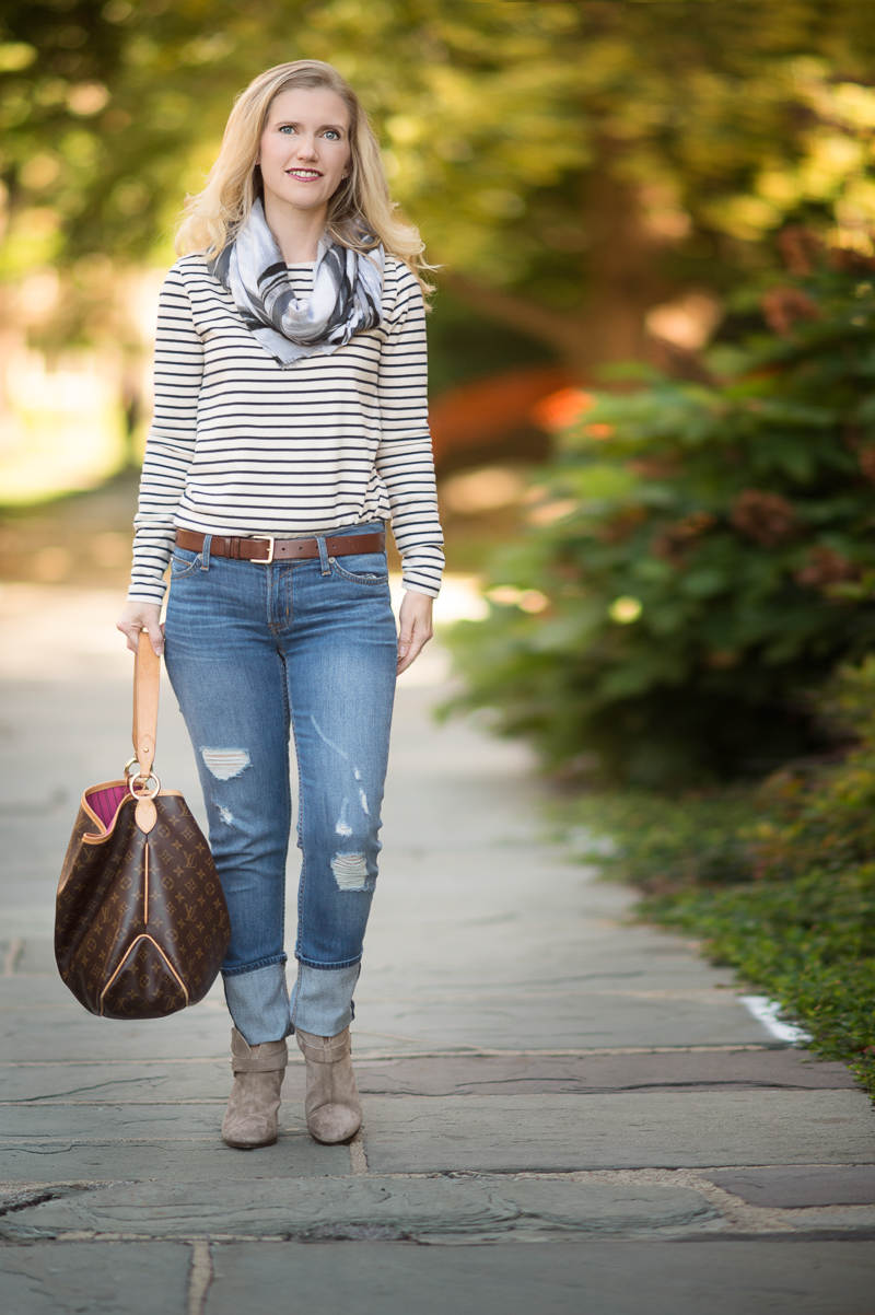 Petite fashion and style | Plaid scarf | Click to read more...