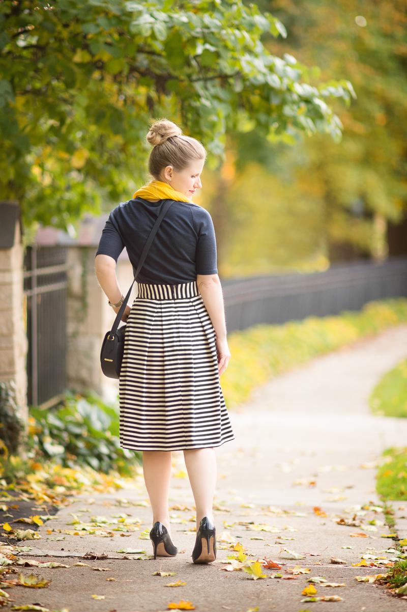 Petite Fashion and Style   Eshakti Striped Skirt   GiGi New York Jenni Saddle Bag   Click to Read More...