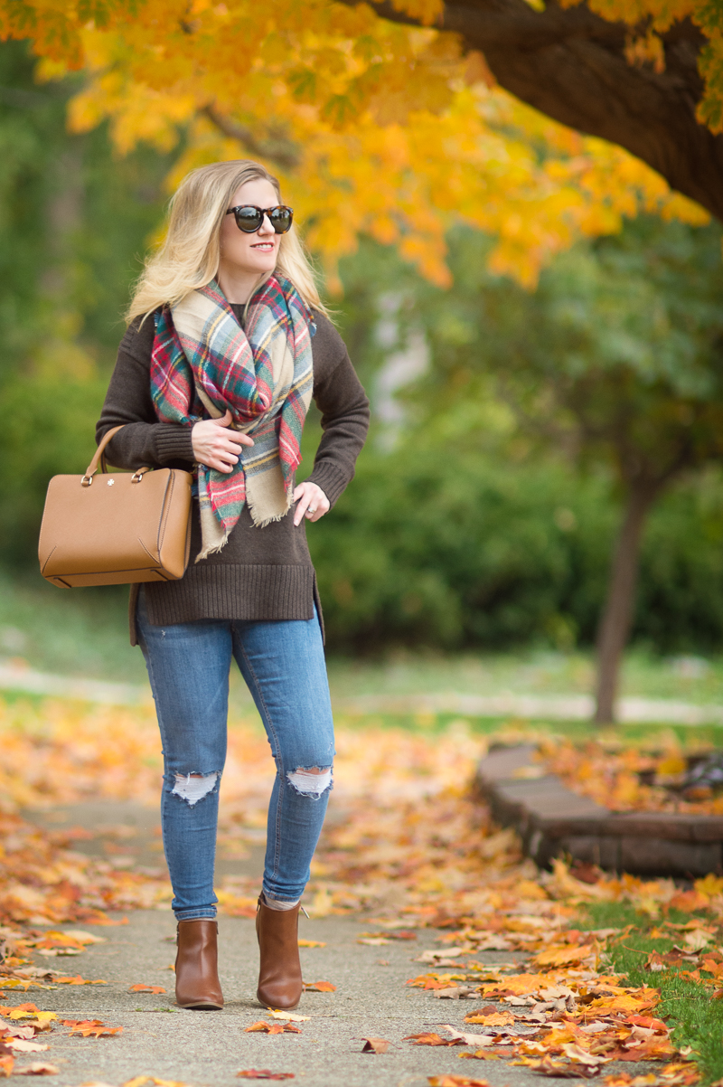Petite Fashion and Style | Ilymix Blanket Scarf | Click to Read More...