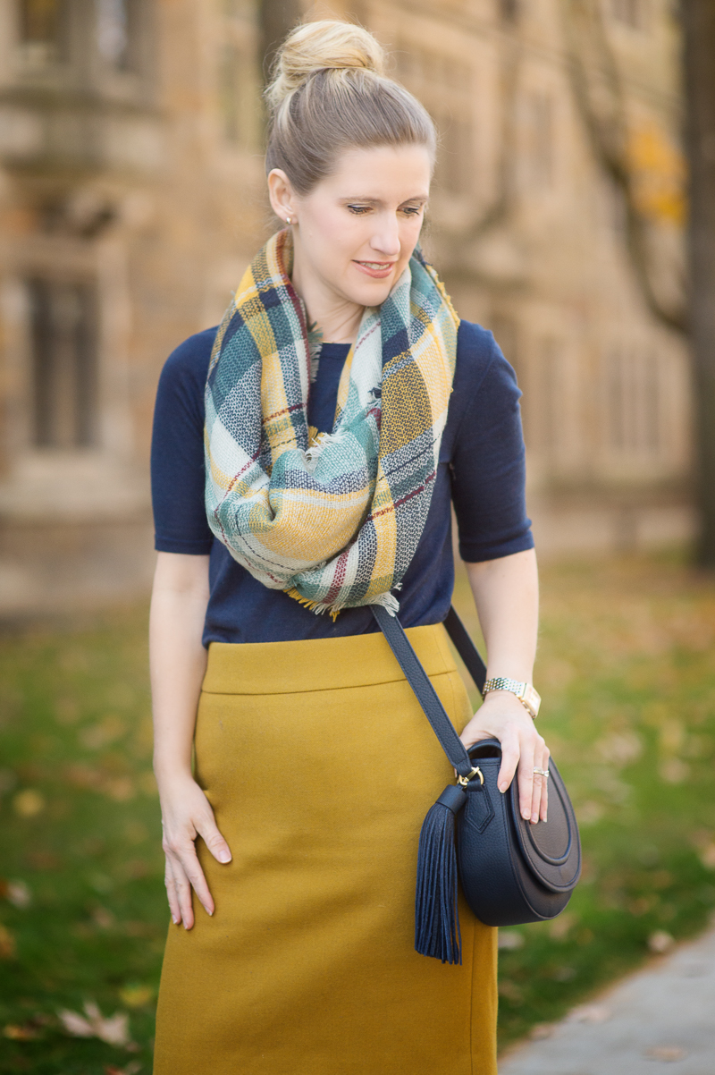 how to wear modcloth scarf