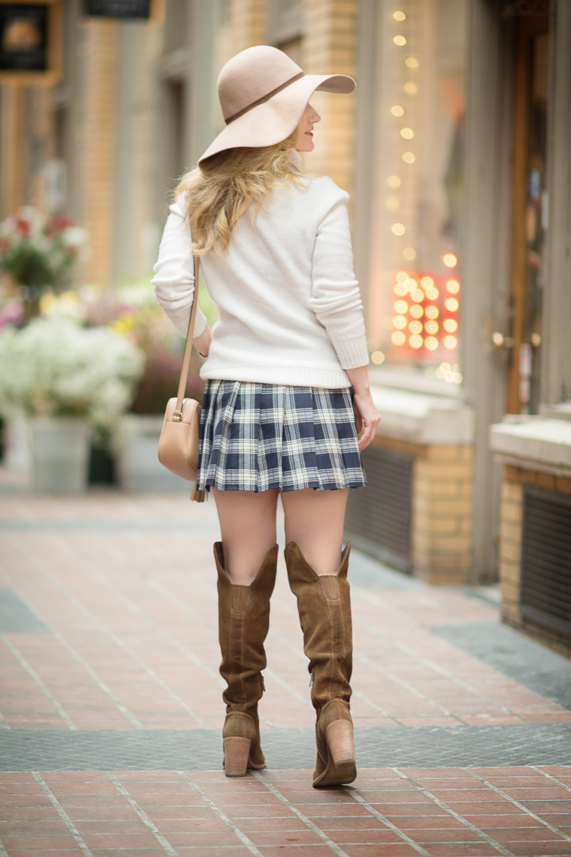 Petite Fashion and Style Blog | Romwe Navy Plaid Zipper Pleated Skirt | Click to Read More...