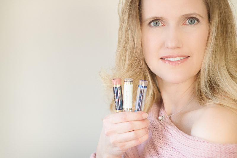 Petite Fashion and Style Blog | Lipsense Review | Click to Read More...