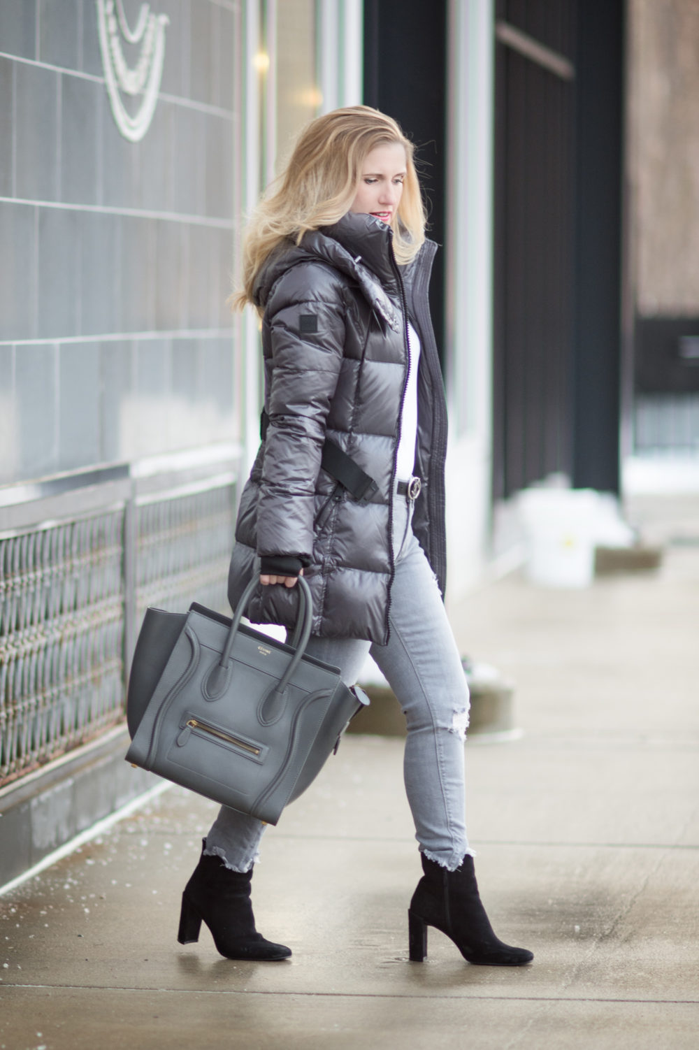 https://www.thebluehydrangeas.com/wp-content/uploads/2018/01/Fashion-for-Petite-Women-SAM-New-Soho-Down-Coat-Express-Gray-Mid-Rise-Destroyed-Ankle-Jeans-Celine-Luggage-Tote-2.jpg