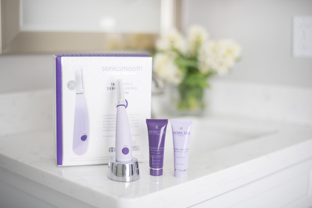 Petite Fashion and Style Blog   Michael Todd Beauty Sonicsmooth Dermaplaning System Review   Click to Read More...