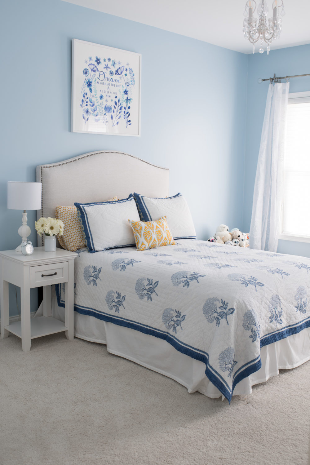 Petite Fashion and Style Blog |Serena and Lily Bedding | Serena and Lily Tropez Quilt