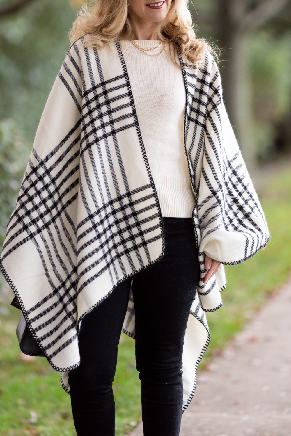 Petite Fashion and Style Blog | Winter Ponchos | Ann Taylor Friends and Family Sale