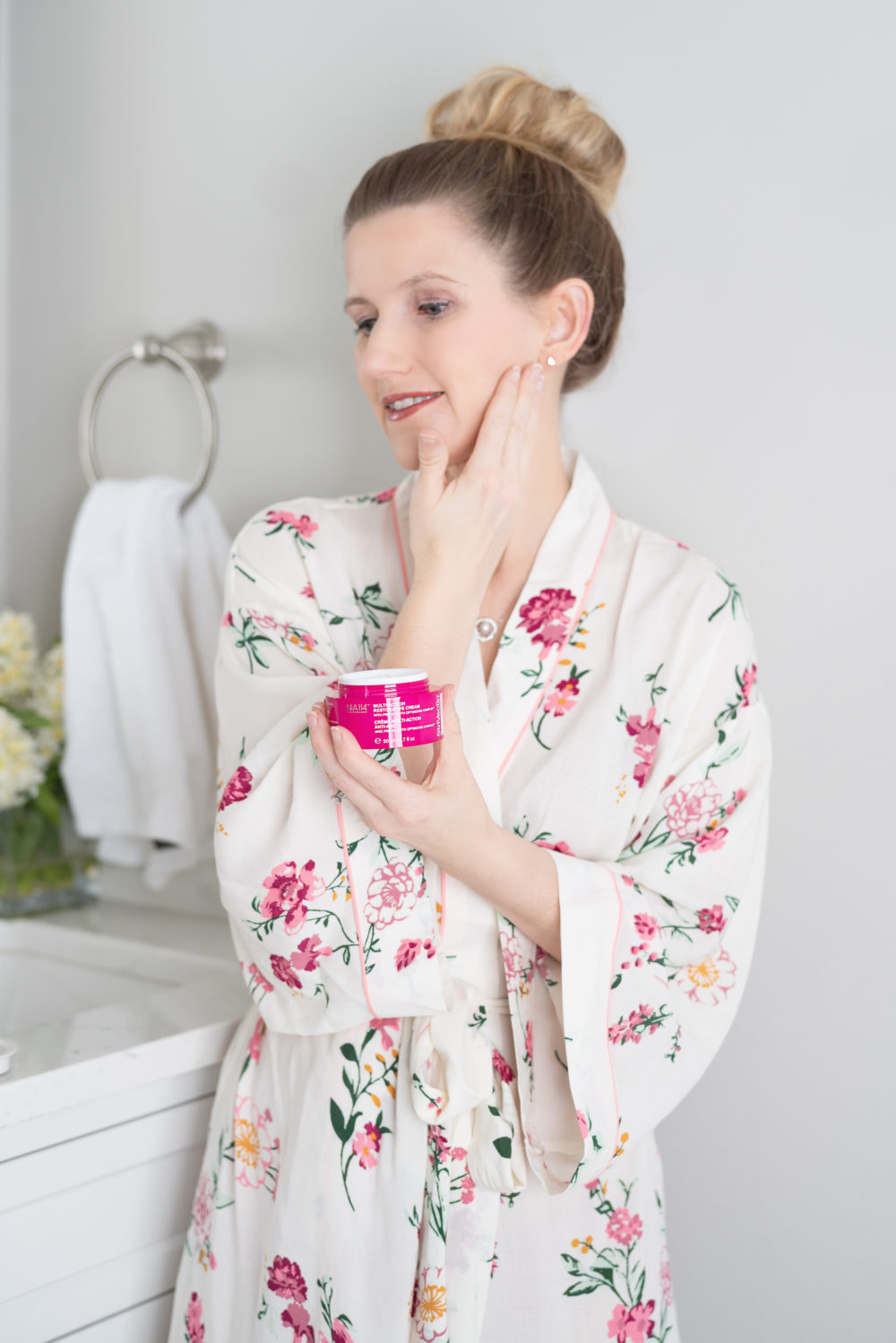 Petite Fashion and Style Blog | Strivectin Multi-Action Restorative Skin Firming Cream | Strivectin Intensive Eye Cream for Wrinkles | Strivectin STAR Light Retinol Night Oil | Strivectin Moisture Melting Cleanser