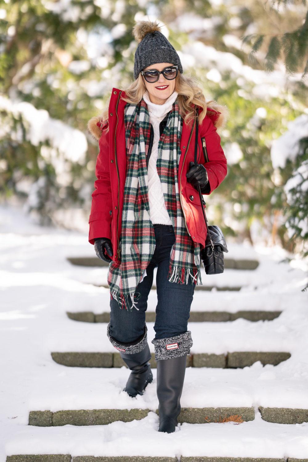 f178ea9383493 Petite Fashion and Style Blog | Pendleton Down Fur Trim Coat | Black Hunter  Boots