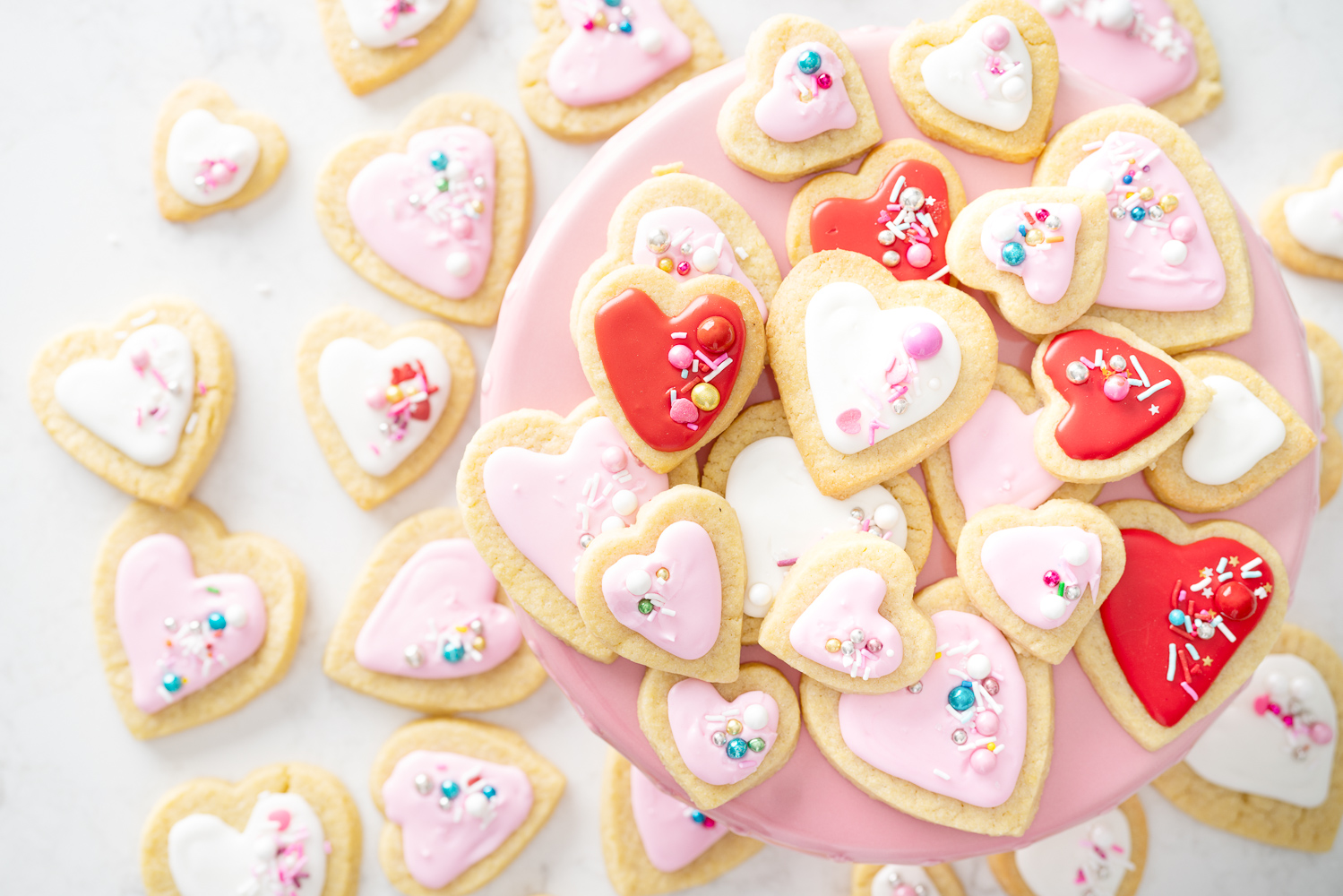 Petite Fashion and Style Blog | Valentine's Day Sugar Cookies | Sugar Cookie Recipe | How to Flood a Cookie