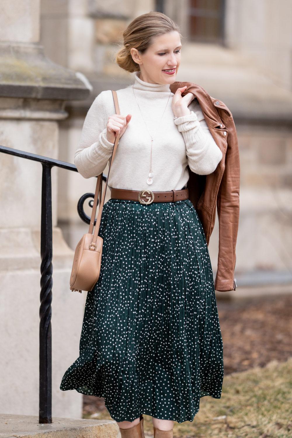 Petite Fashion Blog | Petite Style | Amazon Prettygarden Midi Skirt With Pockets | Gucci Soho Disco Crossbody Bag