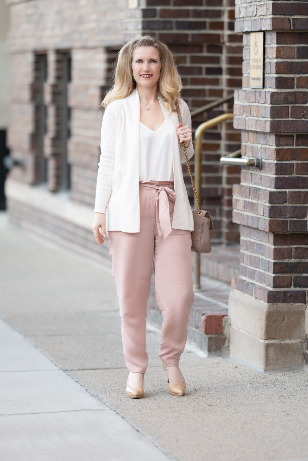 Petite Fashion Blog | Socialite Paper Bag Trousers | Loft Ribbed Cardigan | Gucci Marmont Shoulder Bag