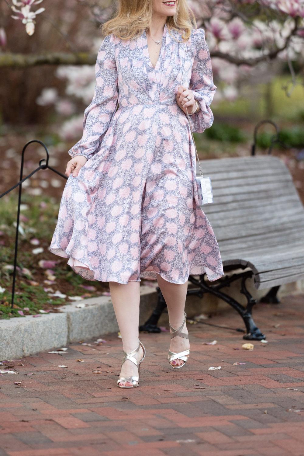 Petite Fashion Blog | Smithsonian Gardens | Gal Meets Glam Dresses | Magnolia Trees in Bloom | Magnolia Trees