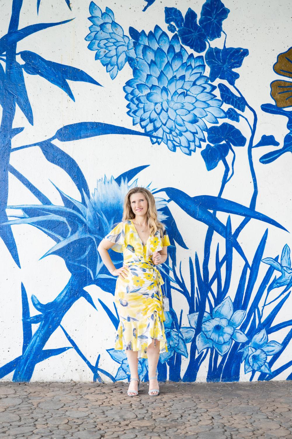 Petite Fashion Blog | 3rd Year Blogging Anniversary | Eliza J Chiffon Faux Wrap Dress | Ping Tong Park Chicago Wall