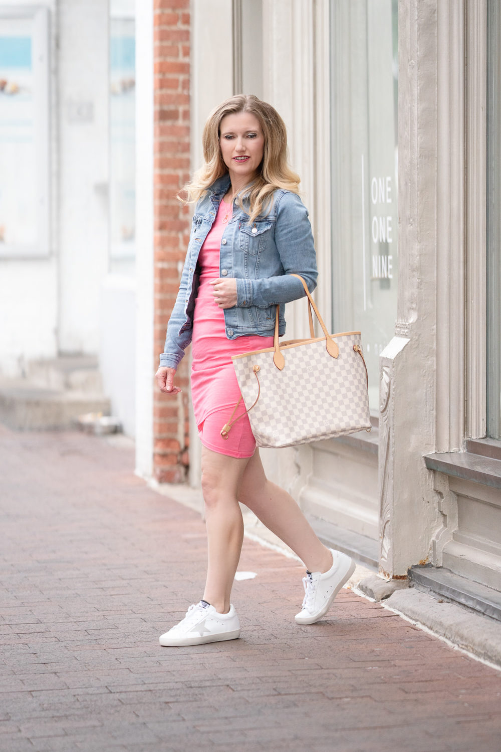Petite Fashion Blog | Leith Ruched Body-Con Tank Dress | Levi's Trucker Jacket | Louis Vuitton Neverfull Bag | Golden Goose Sneakers | Golden Goose Sneaker Review | Golden Goose Sneaker Dupes