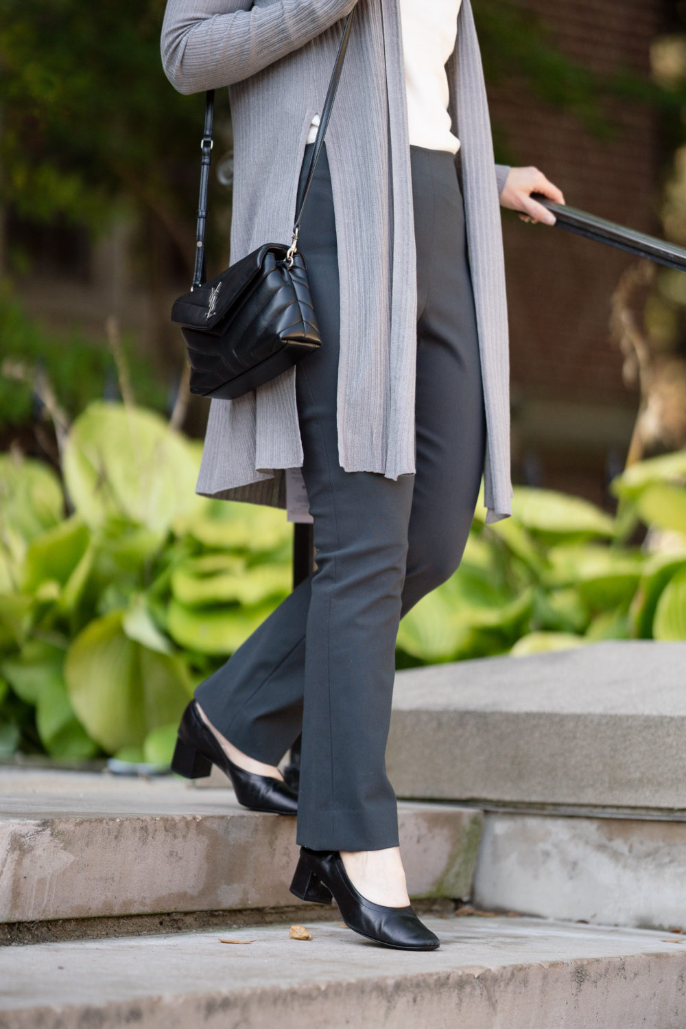Petite Fashion Blog | MM LaFleur Graham Kimono | MM LaFleur Oshima Pants | Travel-Friendly Workwear