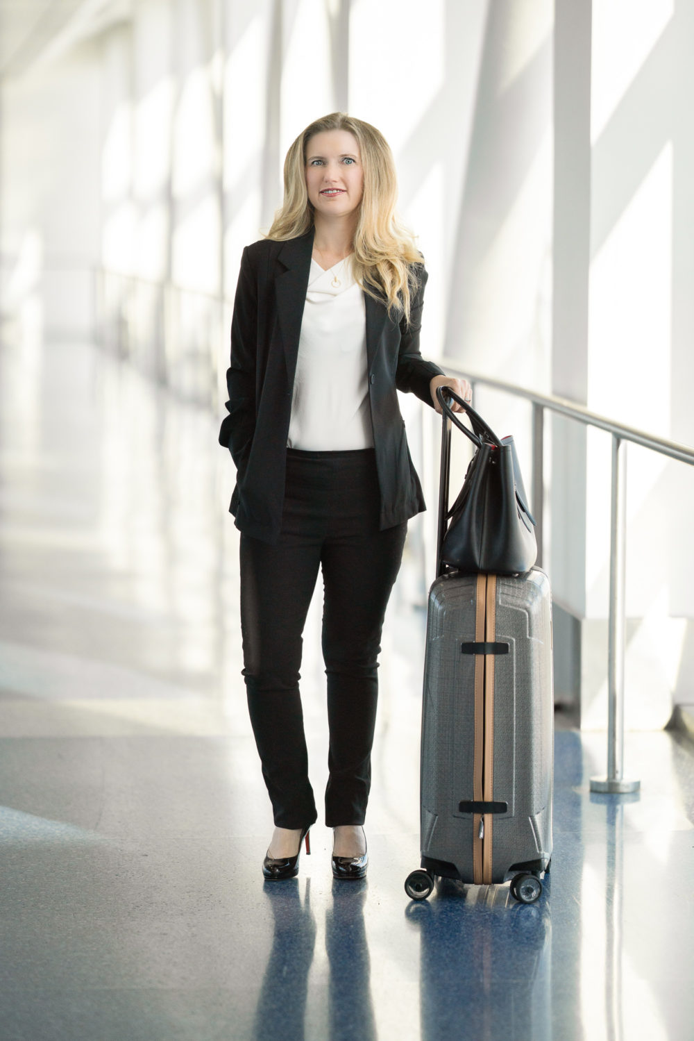 Petite Fashion Blog | MM LaFleur Moreland Jacket | MM LaFleur Foster Pants | Packable Suiting | Travel-Friendly Suits