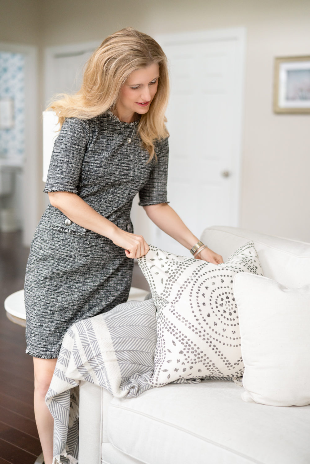 Petite Fashion Blog | Serena and Lily Pillows | Serena and Lily Friends and Family Sale | Serena and Lily Coupon