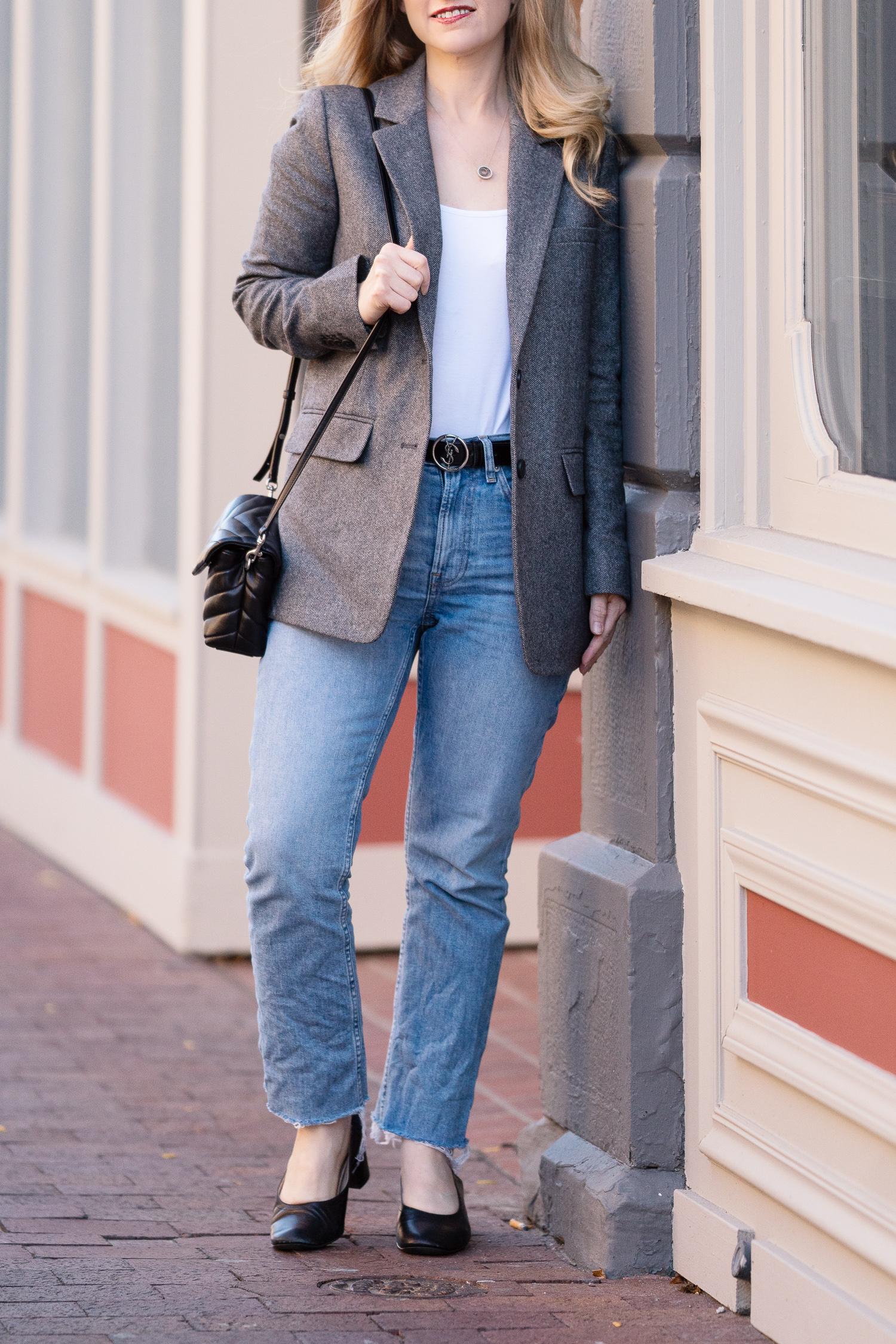 Petite Fashion Blog | Everlane Kick Crop Jeans | Everlane Day Heel | Everlane Oversized Blazer