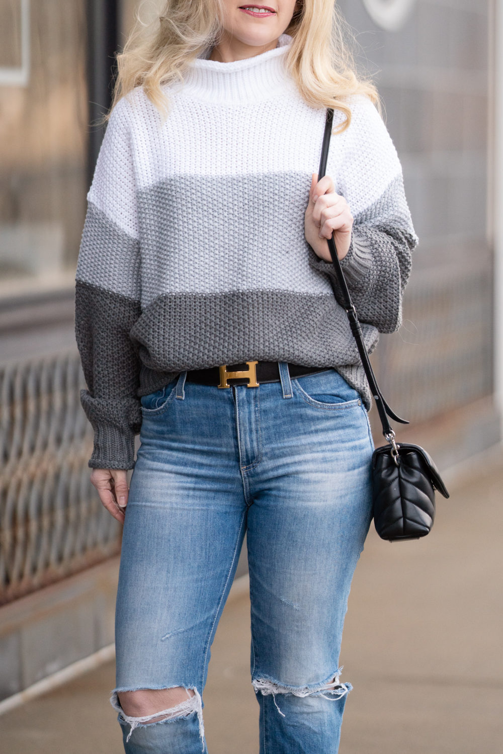 Petite Fashion Blog | Womens Turtleneck Oversized Sweater | Colorblock Sweater | Amazon Sweater